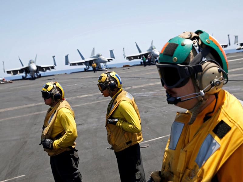 """США отправляют ударную группу кораблей во главе с атомным авианосцем на Ближний Восток"""" />"""