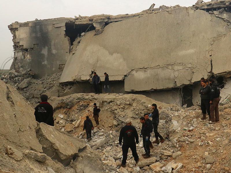 СМИ узнали о гибели 20 иранцев в результате взрыва на базе в Алеппо. Это мог быть авиаудар