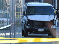 Водителю фургона, наехавшему на пешеходов в Торонто, предъявили обвинение в 10 убийствах