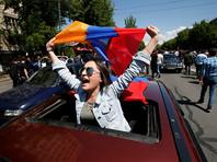 В Ереване и других городах Армении с 13 апреля проходили митинги оппозиции, требовавшей сперва недопущения избрания, а затем выхода в отставку премьер-министра Армении Сержа Саргсяна, избранного парламентом 17 апреля