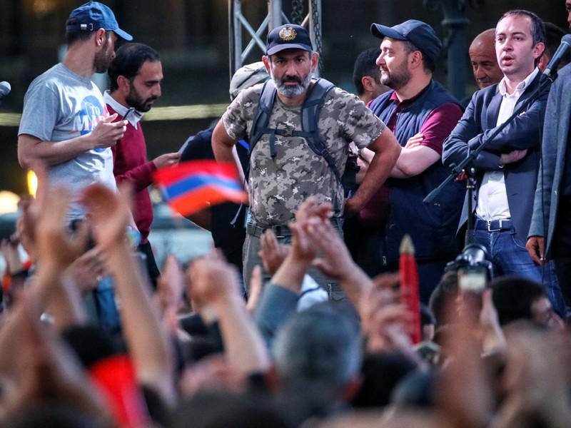 """Лидер армянской оппозиции назвал условия для переговоров с властью: открытый диалог с врио премьер-министра при журналистах"""" />"""