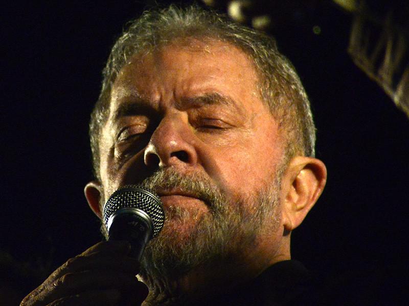 Верховный суд Бразилии разрешил поместить экс-президента республики Луиса Инасиу Лулу да Силву (бразильцы зовут его просто Лула) в тюрьму для исполнения обвинительного приговора по делу о коррупции
