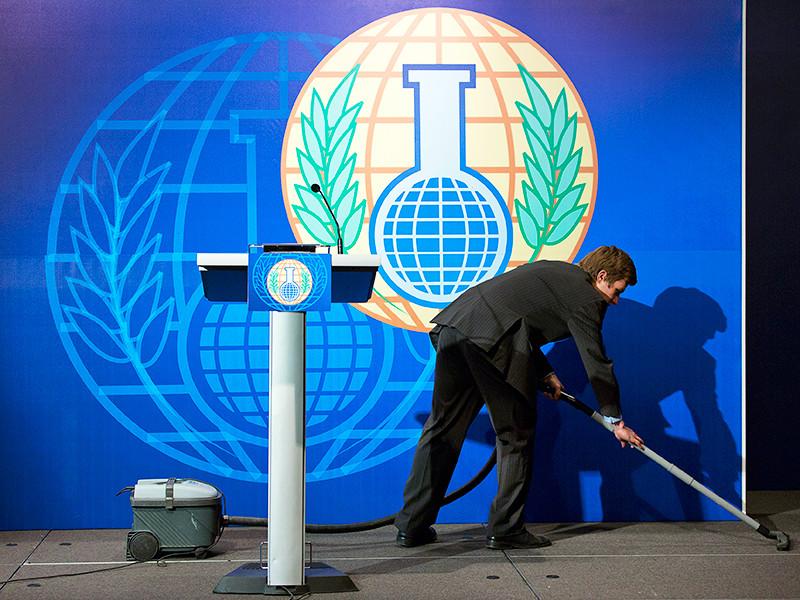 По словам Джонсона, мировое сообщество в очередной раз увидело эту тактику России и пресекло попытки Москвы сорвать надлежащий международный процесс, проголосовав против предложения Кремля в ОЗХО