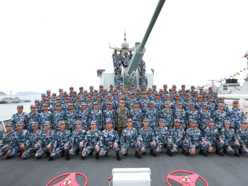 """Китай провел крупнейший в истории страны военный парад в акватории Южно-Китайского моря"""" />"""