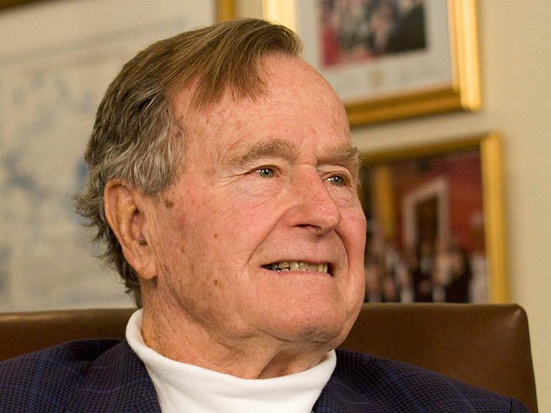 Бывший президент США Джордж Буш-старший попал в больницу через неделю после смерти жены