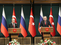 """Анкара объявила по итогам переговоров с Путиным, что поставки С-400 в Турцию начнутся в июле 2019 года. В РФ назвали иную дату - октябрь 2019 года"""" />"""