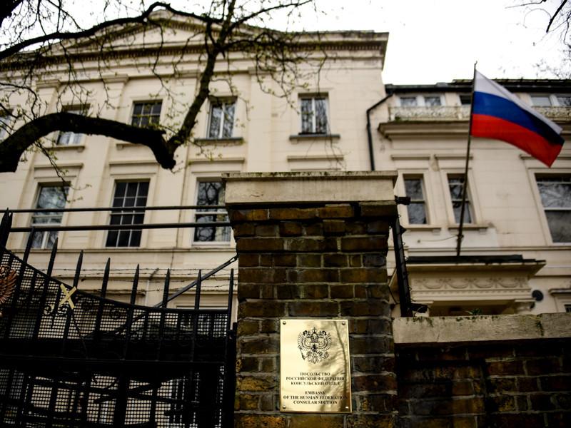 """В  посольстве РФ    назвали """"крайне неубедительными"""" данные о перехвате сообщения  про загадочную  посылку из Сирии в день отравления Скрипалей"""" />"""