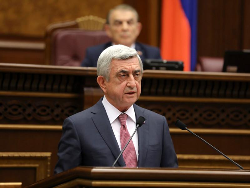 """Премьер-министром Армении избран Саргсян, против которого несколько дней протестует оппозиция"""" />"""