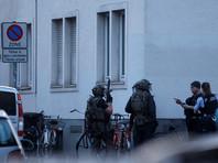 При обыске в доме преступника, который накануне давил посетителей кафе в Мюнстере на своем минивэне, нашли муляж автомата Калашникова