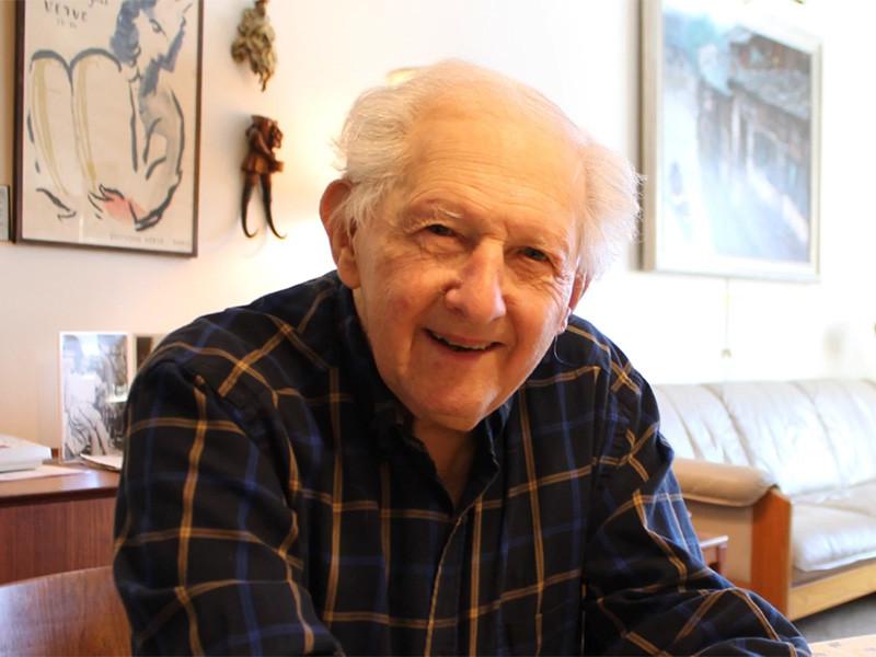 """В США в возрасте 102 лет умер бывший разведчик, называвший себя """"первым шпионом"""" холодной войны"""" />"""