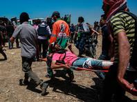По данным Минздрава Газы, еще 2700 человек получили ранения, 1760 из них были доставлены в больницы. У людей пулевые или осколочные ранения, среди пострадавших и те, кто получил отравление дымом или слезоточивым газом