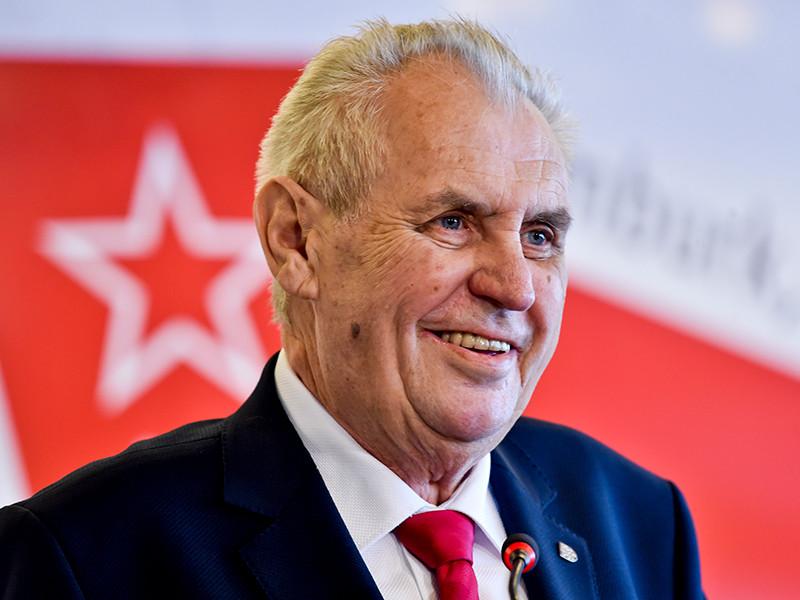 """Президент Чехии Милош Земан признал, что в его стране проводились исследования, для которых был произведен нервно-паралитический газ А230. Это вещество относится к семейству """"Новичок"""", один из представителей которого был использован в Солсбери."""