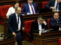 Парламент Армении не сумел избрать Никола Пашиняна премьер-министром. Его кандидатура была единственной, но за нее проголосовали лишь 45 депутатов, а против - 56. Кандидатура лидера протестов отказалась поддержать Республиканская партия (РПА), имеющая в парламенте большинство