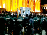 Поводом для протестов стали антинаркотические рейды спецназа полиции по ночным клубам столицы