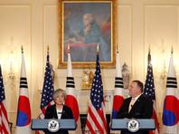 Кан Гён Хва, в свою очередь, заявила, что Сеул и Вашингтон на данном этапе не обсуждают отмену санкций против КНДР