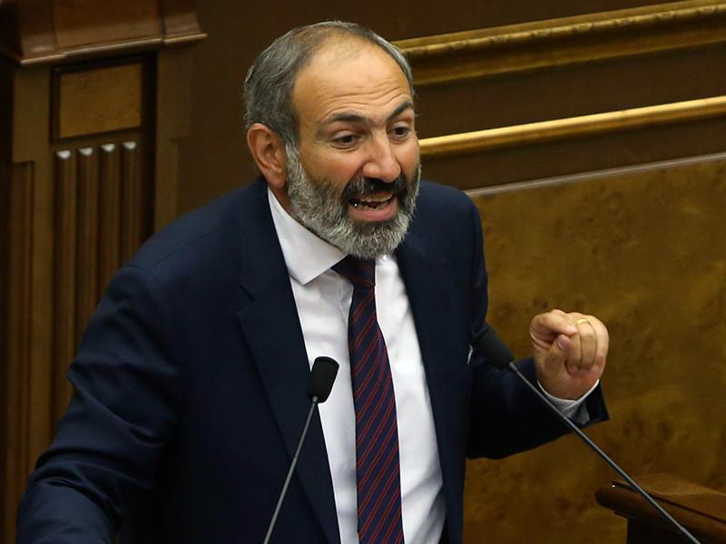 Новый премьер-министр Армении Никол Пашинян пообещал своим соотечественникам с соблюдением закона освободить всех политзаключенных в стране.