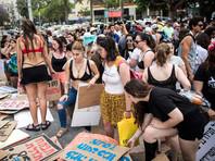 """В Тель-Авиве прошел ежегодный """"Марш шлюх"""" за права женщин носить любую одежду, не подвергаясь домогательствам"""