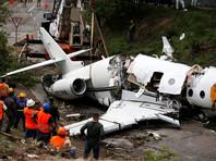 В международном аэропорту Гондураса при посадке разломился надвое частный самолет из США