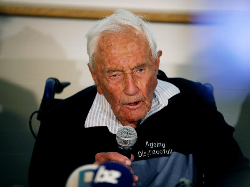 """В Швейцарии умертвили 104-летнего ученого из Австралии, который перед смертью исполнил """"Оду к радости"""""""