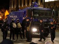 Полиция стянула дополнительные силы, водометы в центр Тбилиси, где проходят массовые протесты