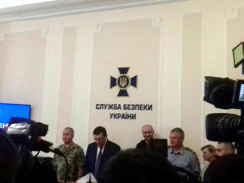 Российский журналист Аркадий Бабченко, который, как сообщали украинские СМИ, правоохранительные органы и представители власти, был застрелен накануне в Киеве, жив