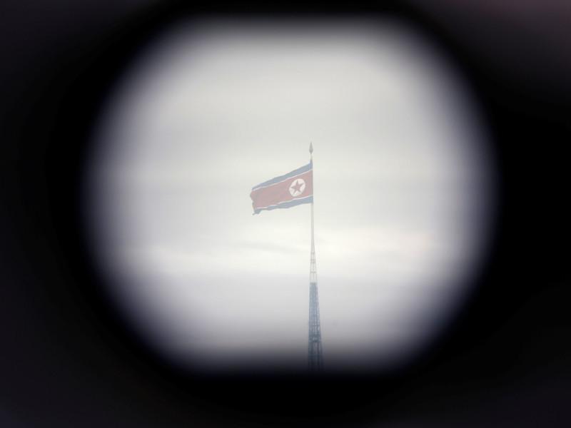 КНДР сообщила об отмене встречи на высоком уровне с представителями Южной Кореи, которая должна была состояться 16 мая в пункте переговоров Пханмунджом на границе двух государств. Причиной отмены стали продолжающиеся совместные военные учения Республики Корея и США