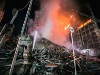 Пожар в 24-этажном здании, расположенном в центре Сан-Паулу, начался во вторник в 01:30 по местному времени (07:30 по Москве). Примерно через полтора часа охваченная огнем высотка обрушилась