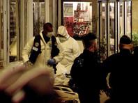 В результате атаки один человек погиб, четверо получили ранения. Нападавший был застрелен прибывшими на место стражами порядка