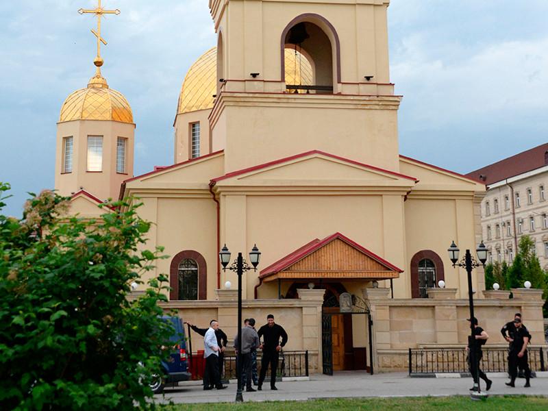 Церковь Архангела Михаила в центре Грозного, в которой четверо боевиков пытались захватить прихожан в качестве заложников, 19 мая 2018 года