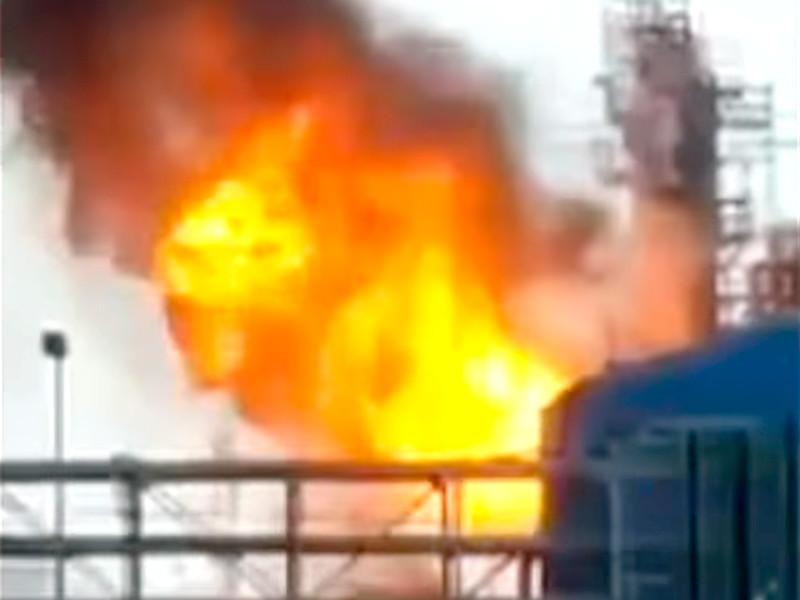 Взрыв прогремел на химзаводе в техасской Пасадине. Более 20 человек пострадали