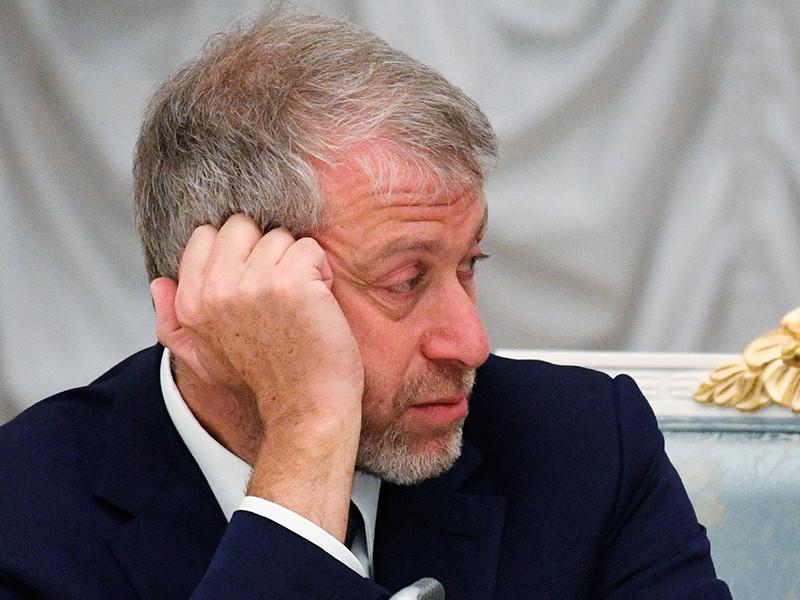 Британские власти не требовали у российского бизнесмена Романа Абрамовича объяснить происхождение капитала при сборе документов на продление инвестиционной визы