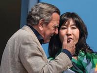 Его избранницей стала переводчица из Южной Кореи Со Ен Ким