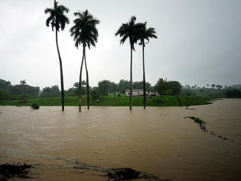 """В центральной части Кубы четыре человека погибли из-за наводнений, вызванных субтропическим штормом """"Альберто"""""""