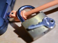 GDPR обязывает компании, которые используют персональные данные лиц, находящихся на территории ЕС, хранить эти данные в обезличенном и зашифрованном виде, обеспечивать их защиту от утечек, не передавать третьим лицам и информировать граждан и органы власти о любой утечке информации в течение 72 часов с момента ее обнаружения