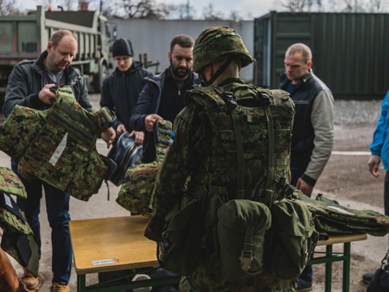 """В Эстонии 2 мая начались крупнейшие в истории страны военные учения """"Еж"""" (Siil). Они будут состоять из трех этапов и продолжатся до 14 мая на территории всей республики, а также на севере Латвии"""