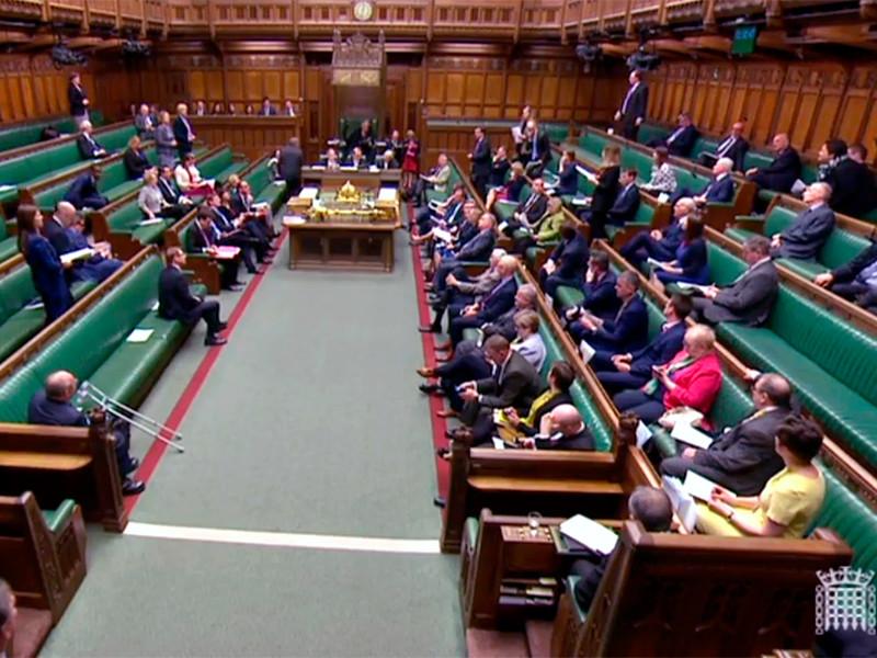 Депутаты Палаты общин парламента Соединенного Королевства 1 мая приняли без голосования две поправки к Законопроекту о санкциях и противодействии отмыванию денег, которые могут затронуть россиян и их активы в офшорах