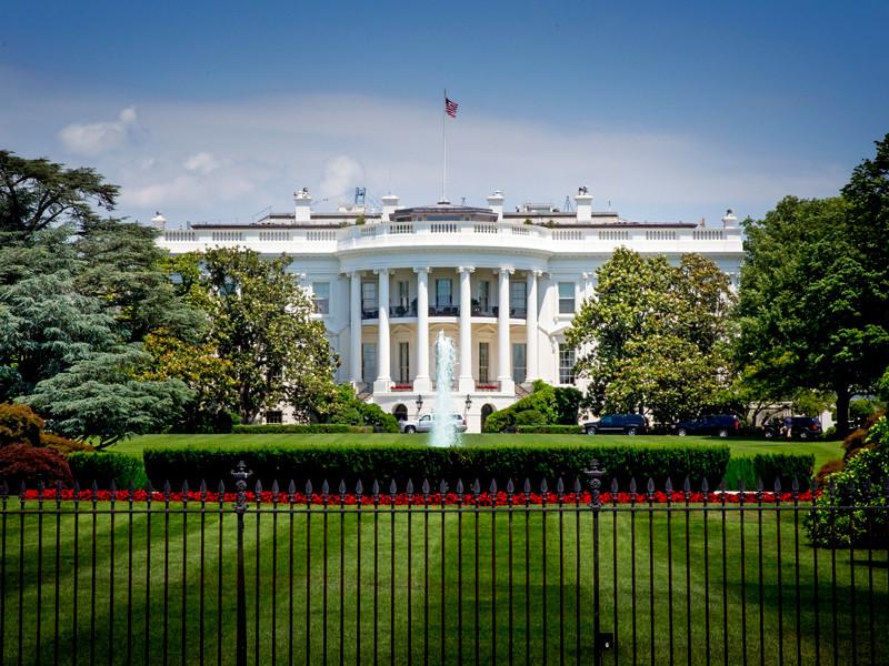 Американские власти приняли решение отложить введение нового масштабного пакета санкций против КНДР на фоне продолжающихся попыток переговорщиков двух стран возобновить подготовку к исторической встрече президента США Дональда Трампа и северокорейского лидера Ким Чен Ына