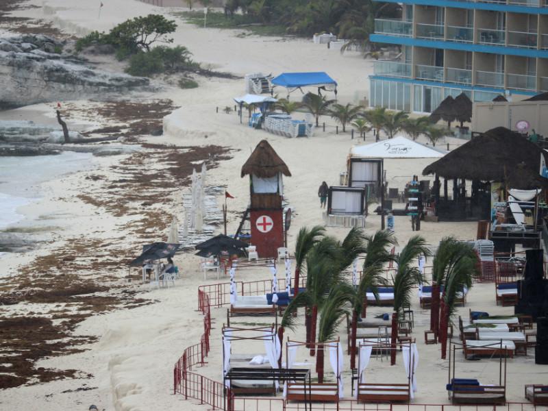 """Во Флориде объявлено чрезвычайное положение из-за надвигающегося шторма """"Альберто"""""""