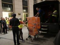 У экс-премьера Малайзии, подозреваемого в хищении миллиардов, изъяли пять грузовиков с 284 коробками сумок Hermes, 74 мешка наличных