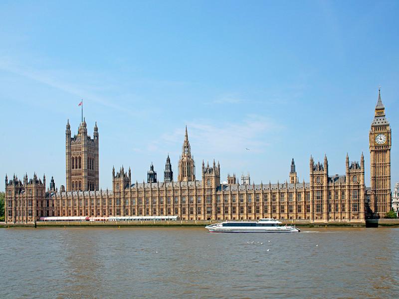 """В британском парламенте заявили, что """"грязные деньги"""" из России наносят ущерб стране"""" />"""