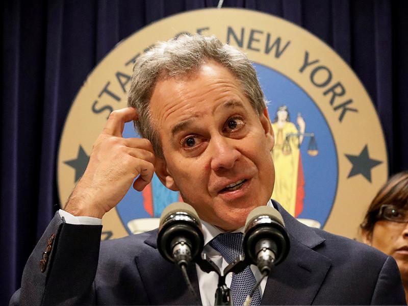 Генпрокурор штата Нью-Йорк ушел в отставку после обвинений в избиении женщин