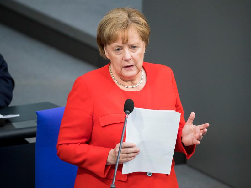 """Канцлер Германии Ангела Меркель не видит в обозримом будущем возможностей для возвращения к формату """"Большой восьмерки"""" с участием России"""