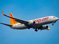 Boeing 737 с российскими туристами экстренно сел в Казахстане из-за отказа двигателя