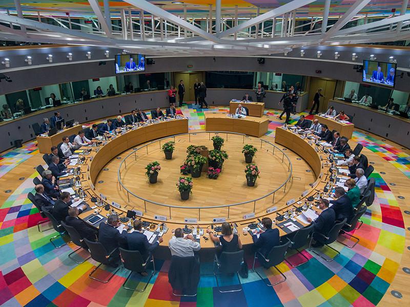Главы 28 стран Евросоюза достигли соглашения по миграционному кризису, передает агентство Reuters