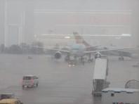 В Южной Корее два самолета столкнулись в  аэропорту из-за дождя
