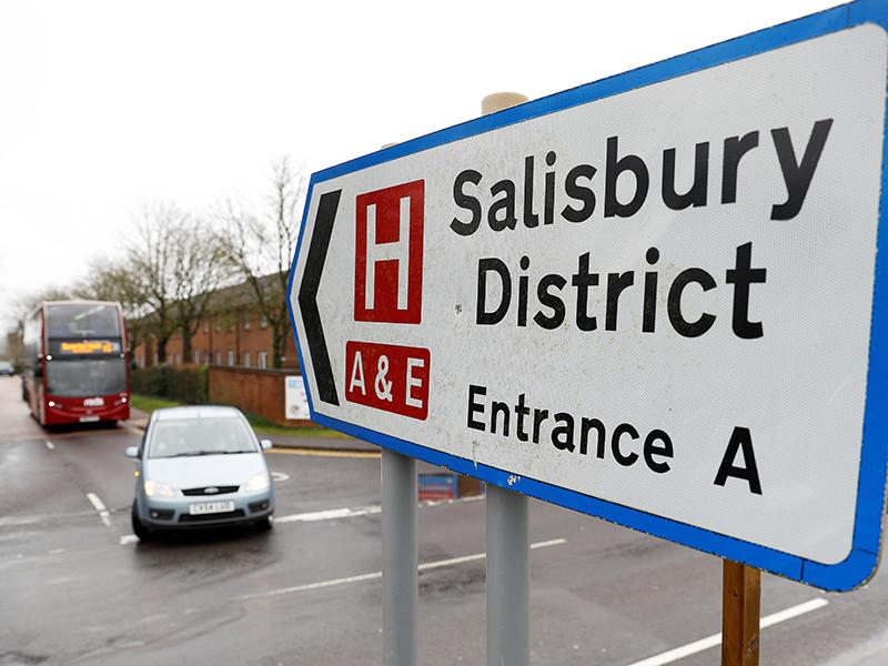 Великобритания, доказывая безопасность Солсбери, отметит там День армии