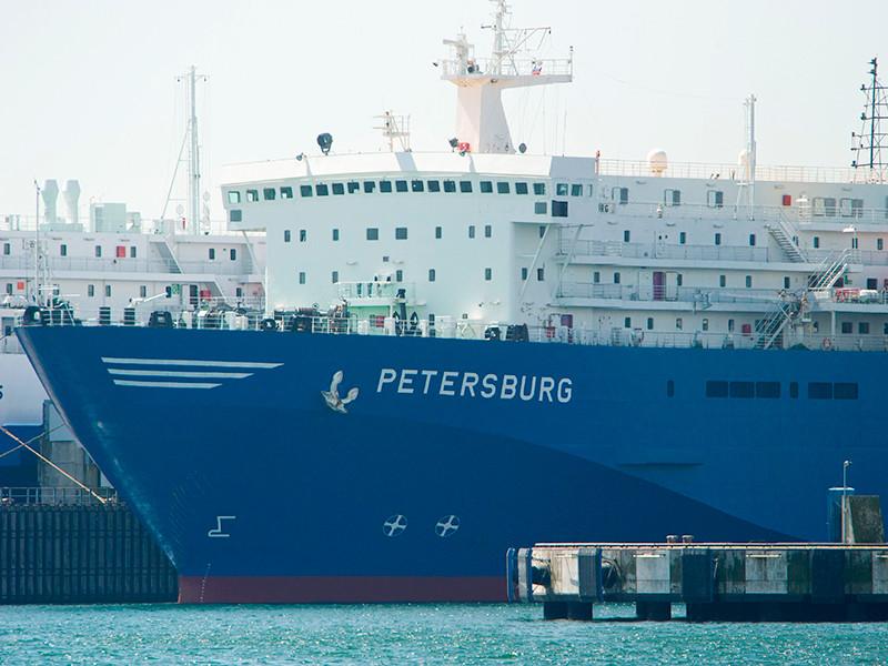 Грузовой паром Petersburg, принадлежащий компании Black Sea Ferry & Investments, входящей в холдинг РЖД, был арестован в таллинском порту Пальяссааре из-за долгов компании