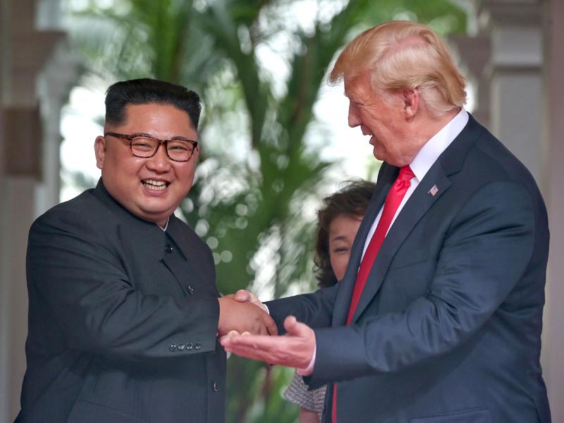 """Трамп дал Ким Чен Ыну личный номер мобильного"""" />"""