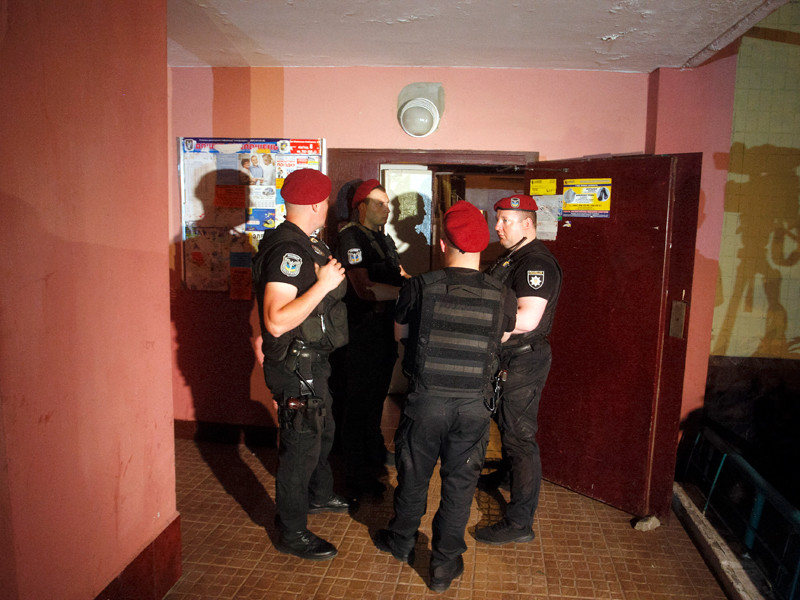 Полиция у дома Аркадия Бабченко, Киев, 29 мая 2018 года