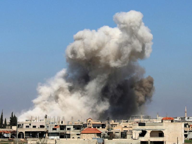 Reuters: российские самолеты разбомбили город в зоне деэскалации на юго-западе Сирии